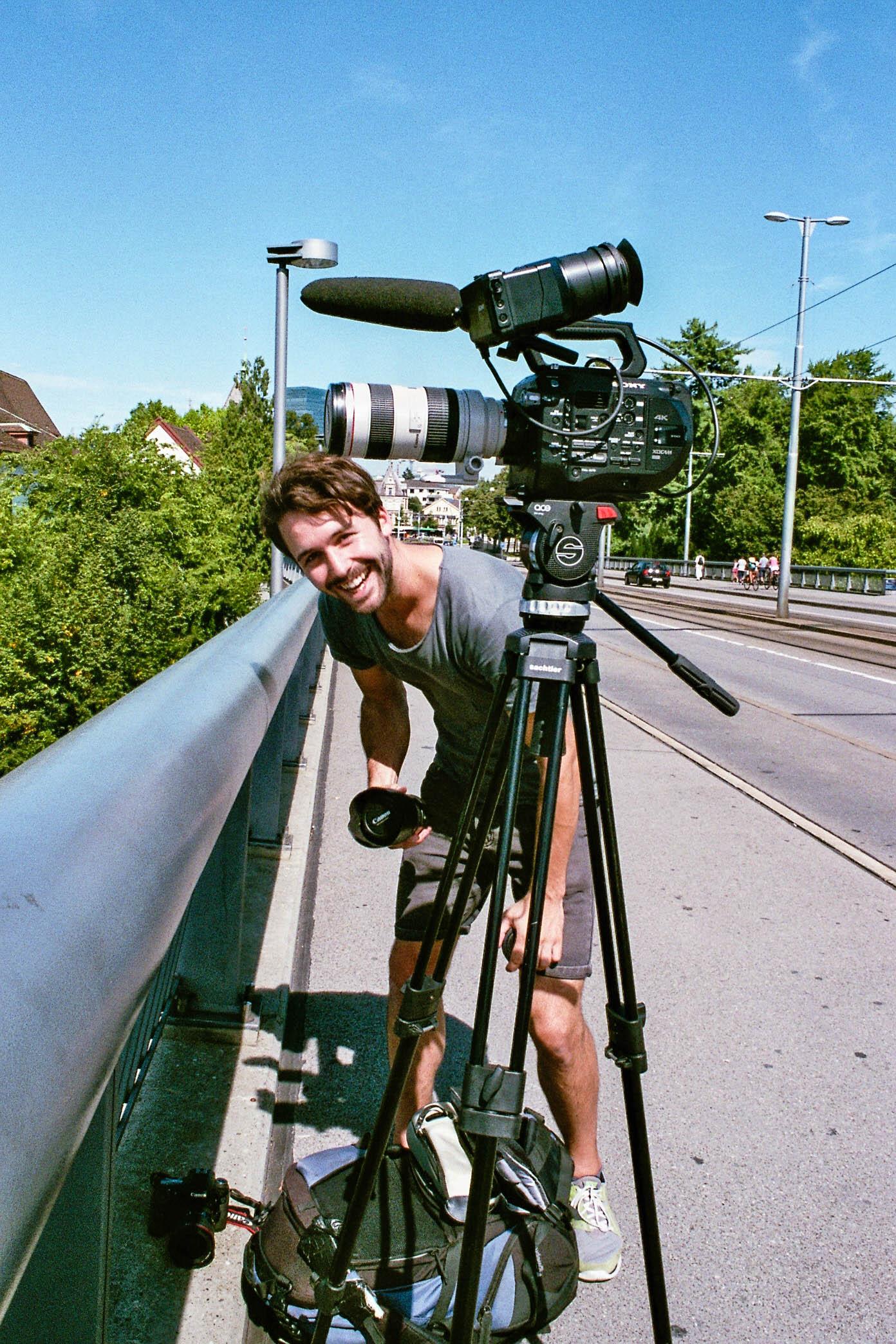 Kai-Kamera-Brücke