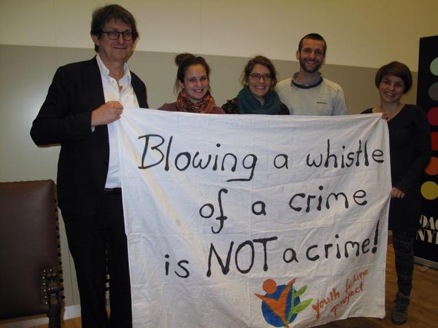 Alain Rusbridger sharing our message! // Alain Rusbridger teilt unsere Botschaft!